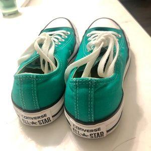 Converse green low tops chucks